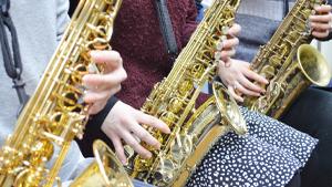 レンタル楽器 手ぶらでレッスンができる!
